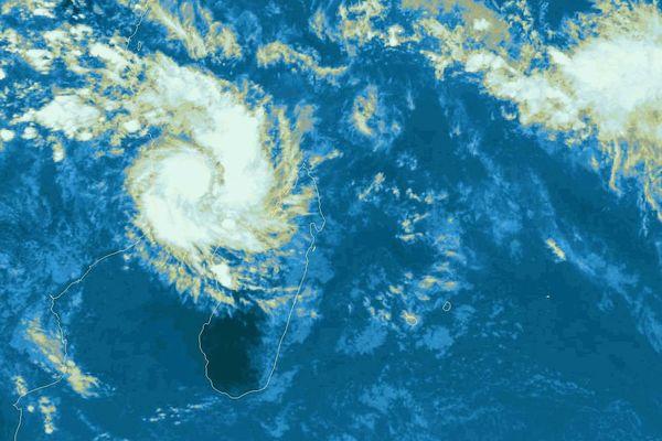 La tempête tropicale Hellen traverse Mayotte