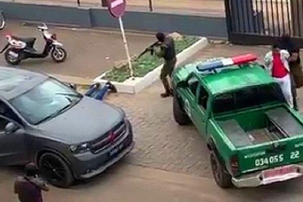 Arrestattion d'un trafiquant de bois à Mada
