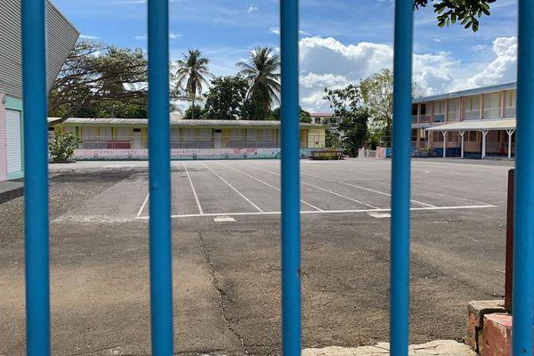 Ecoles fermées et vandalisées à Sainte-Rose - 16/03/2021