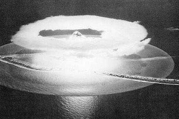Aldébaran, premier essai nucléaire dans le Pacifique le 2 juillet 1966