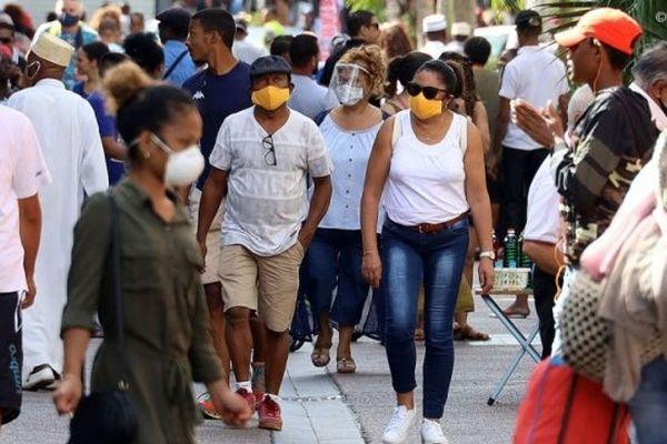 Les rues de La Réunion au premier jour du déconfinement.