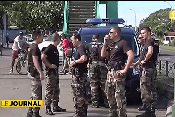 Trafic d'herbe à Tahiti : 16 personnes incarcérées
