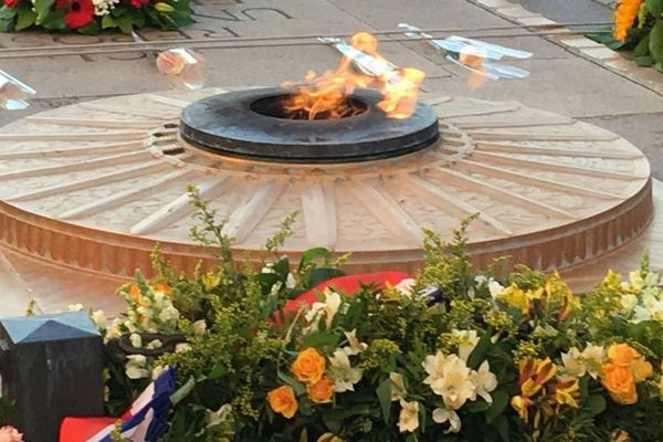 Ravivage de la flamme en mémoire de Roland Garros