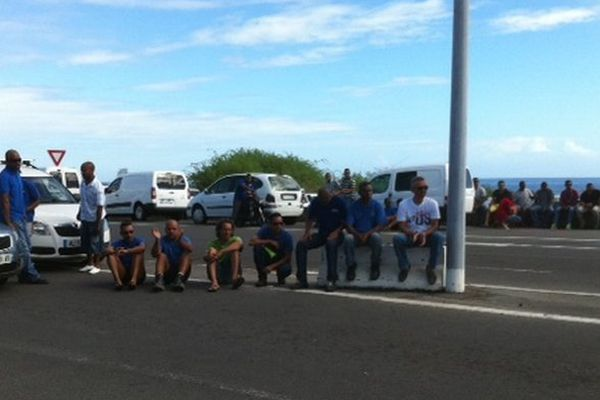 Port et docks : menace de grève à la SOMACOM