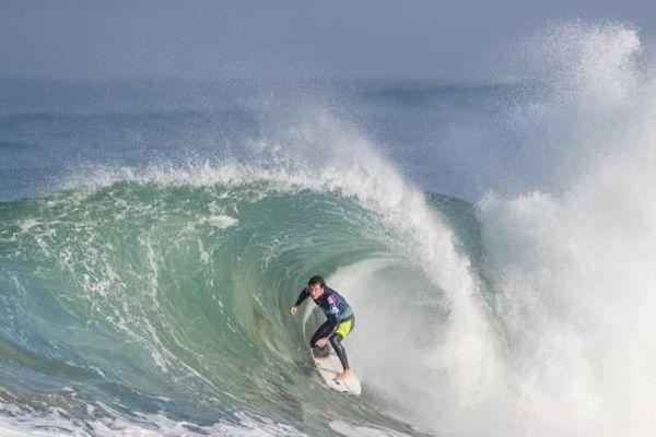 Le surfeur Réunionnais Jérémy Florès remporte le Quiksilver Pro France 2019