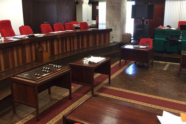 La cour d'assise a été délocalisée dans l'ancien hôtel du département.