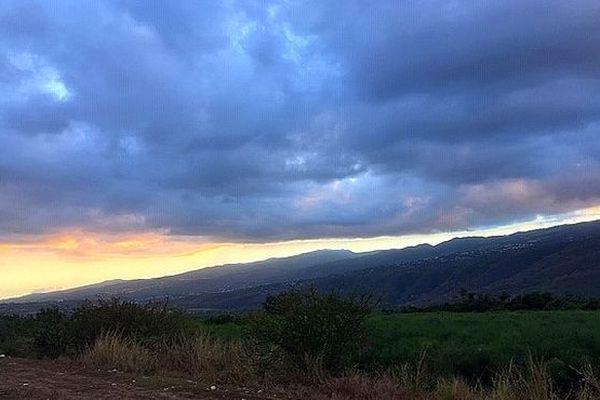 Nuages sur l'Ouest de La Réunion 11 10 2018