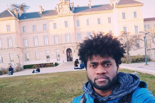 Calédoniens ailleurs : Emmanuel Wacalie, un rêve de foot pour les jeunes du pays