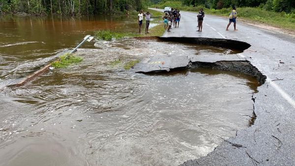 la route nationale 1 barrée en Guyane