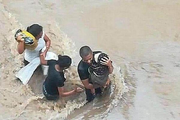 Les habitants de Tana piégés par la montée ses eaux