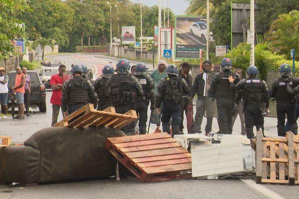 Face à face grévistes-force de l'ordre