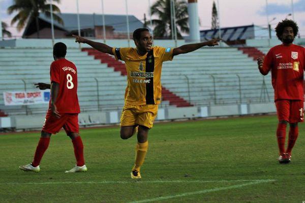 Wadrawane et Magenta planent. Ils sont leaders du championnat à quatre matchs de la fin de la saison.