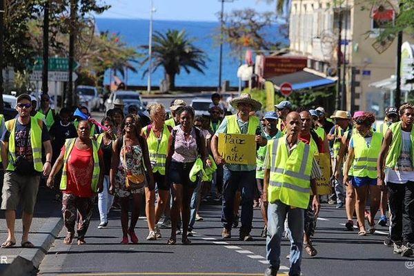 Gilets Jaunes défiletn dans saint denis samedi 8 décembre