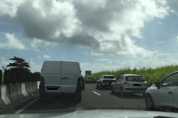 blocage rond point capesterre