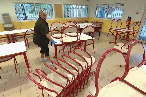 Coronavirus, rentrée, avril 2020, préparation des classes au collège Louise-Michel de Païta