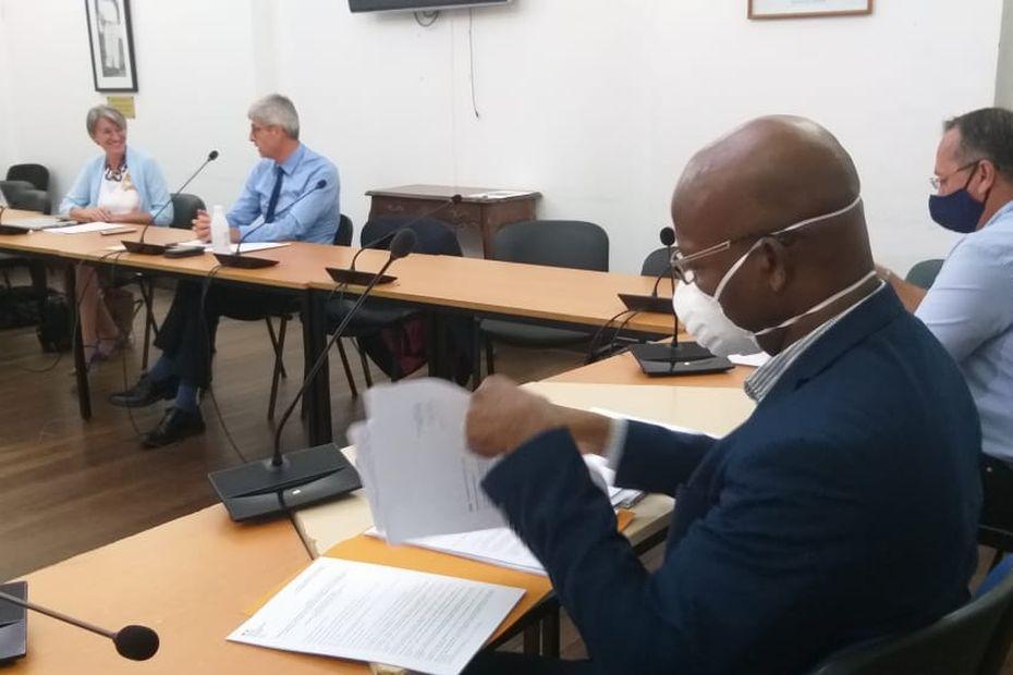 Pas de reconfinement en Guyane mais un renforcement des mesures et le durcissement du respect du couvre-feu. - Guyane la 1ère
