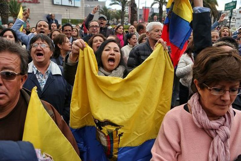 Equateur: victoire sociale des Amérindiens