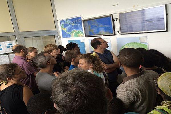 Visiteurs à l'Observatoire Volcanologique