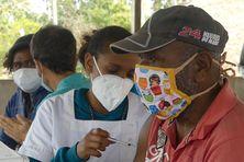 Campagne de vaccination à Lifou pendant l'épidémie de Covid.