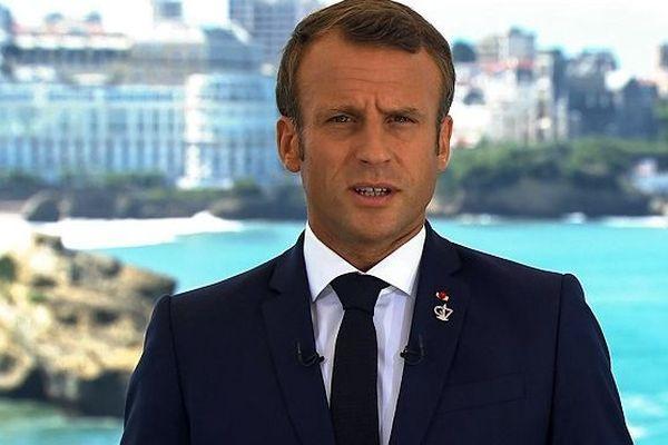 Emmanuel Macron lors d'un discours avant l'ouverture du G7 à Biarritz