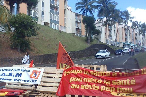 CHU Martinique bloqué
