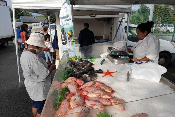 Opération reconquête : vente de poissons issus de l'aquaculture péi à Bras-Panon