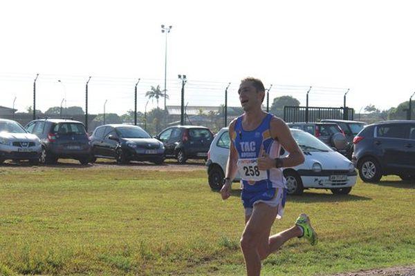 Robin Leleu vainqueur du semi-marathon Roura Matoury 2017