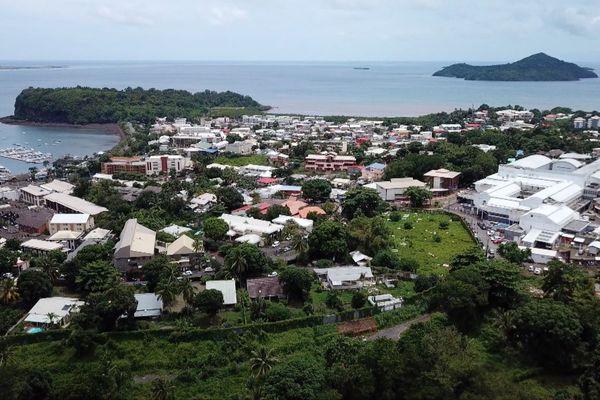 Vue de la ville de Mamoudzou à Mayotte