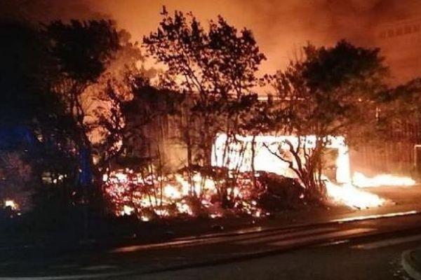 Saint-Joseph : reprise du feu à l'entrepôt de stockage