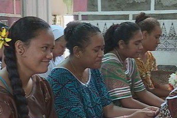 jeunes à la messe de l'ascension le 10 mai
