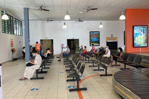 Saint-Pierre : un vaccinodrome est ouvert à l'aéroport de Pierrefonds