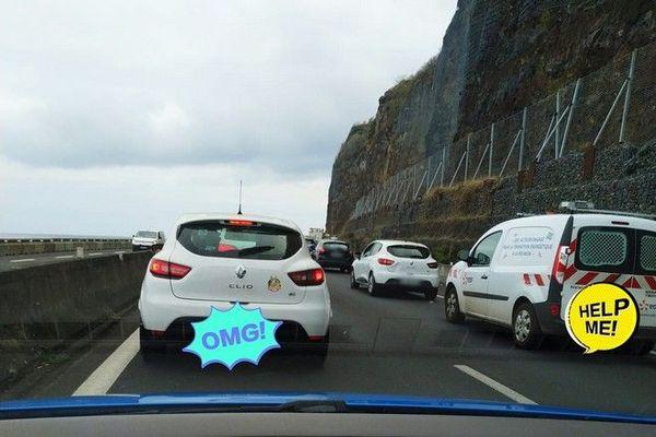 circulation trafic embouteillages Route du littoral en direction du Nord 051020