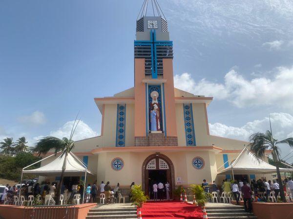 Eglise du bourg de Sainte-Anne
