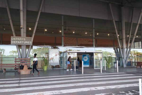 Coronavirus : un dispositif médical opérationnel et renforcé à l'aéroport Félix Eboué