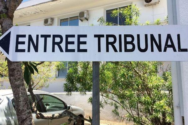Justice panneau tribunal