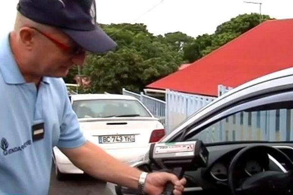 Contrôles routiers : gendarmes