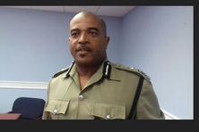 Milton Desir, Commisaire de Police de Sainte Lucie a interdit les cortèges de véhicules pendant la compagne électorale.