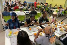 De nombreux élèves de Mayotte ne prennent leur repas qu'en étant à l'école.