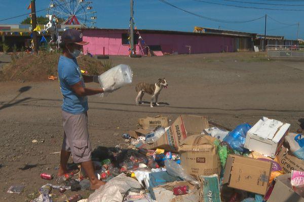 Vaitupa : la fête foraine est finie, mais les déchets venus d'ailleurs persistent
