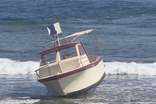 Bateau de plongée échoué cap lahoussaye 270419