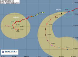 Bruce et Amara, deux cyclones intense