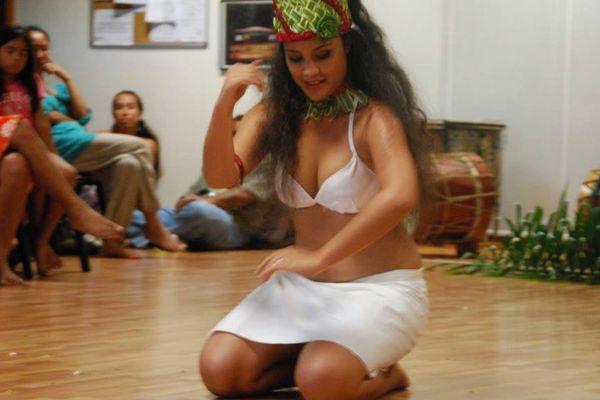 danse traditionnelle Conservatoire artistique de la Polynésie française Te Fare Upa Rau 30 05 2013