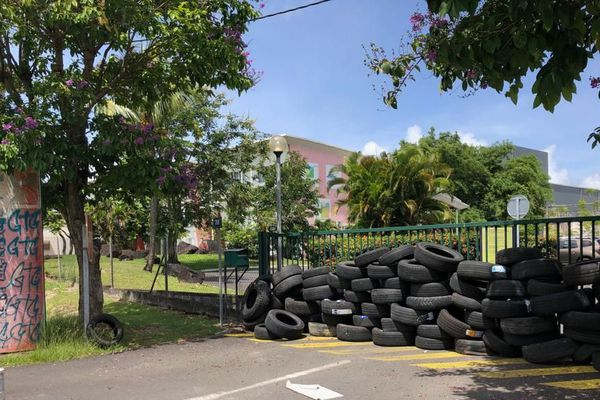 Grève à Route de Guadeloupe