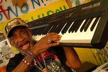 Lee « Scratch » Perry, une figure emblématique de la musique jamaïcaine.