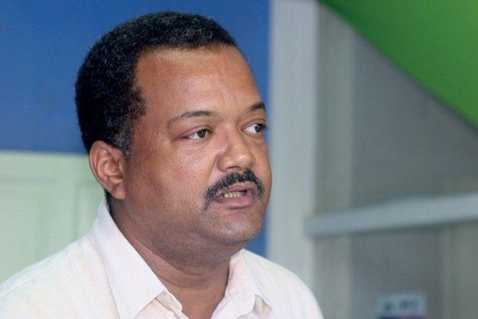 Obligation de rouvrir les écoles en juin : le refus d'Eric Jalton, maire des Abymes - Guadeloupe la 1ère