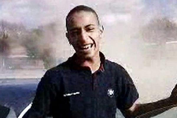 Qui est Fabien Clain, le Réunionnais soupçonné d'être à la tête de l'attentat manqué de Villejuif ?