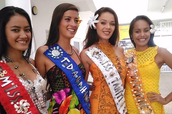 Miss Tahiti et ses dauphines en visite à Polynésie 1ère