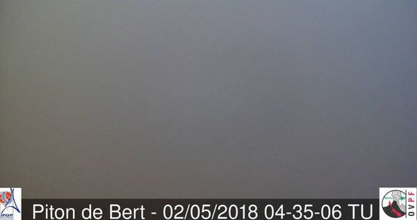 Piton de Bert dans le brouillard