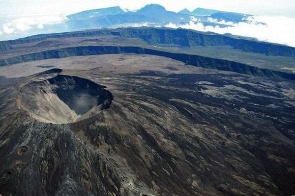 Piton de la Fournaise : une éruption probable à brève échéance, alerte 1 déclenché.