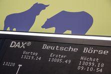 Le taureau et l'ours symbolisent la hausse ou la baisse des Bourses mondiales.